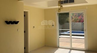 Well Maintained 3 bedroom plus study in Springs 15