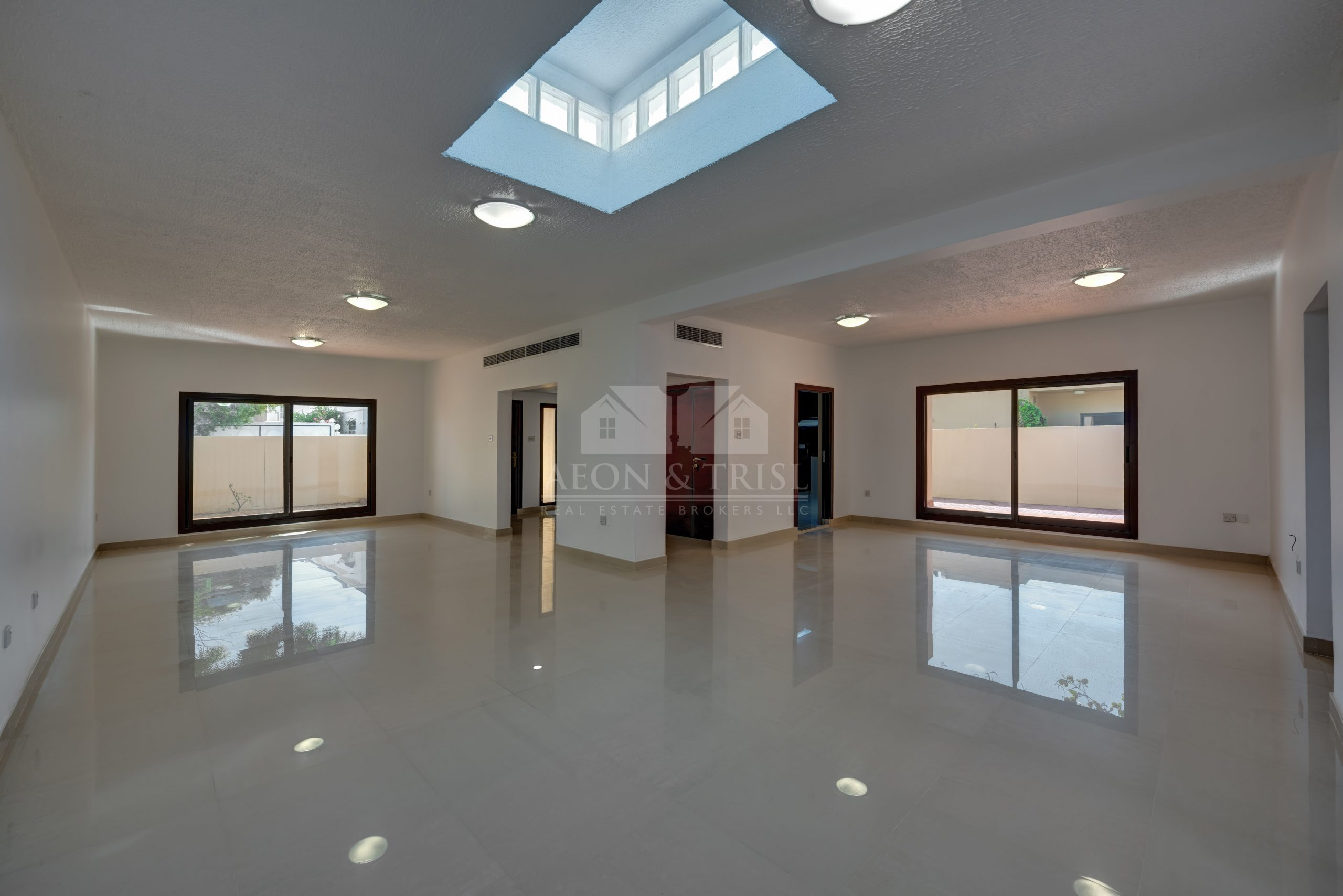 Single Storey Villa | 3 Bed with Maids Room | Jumeirah 2