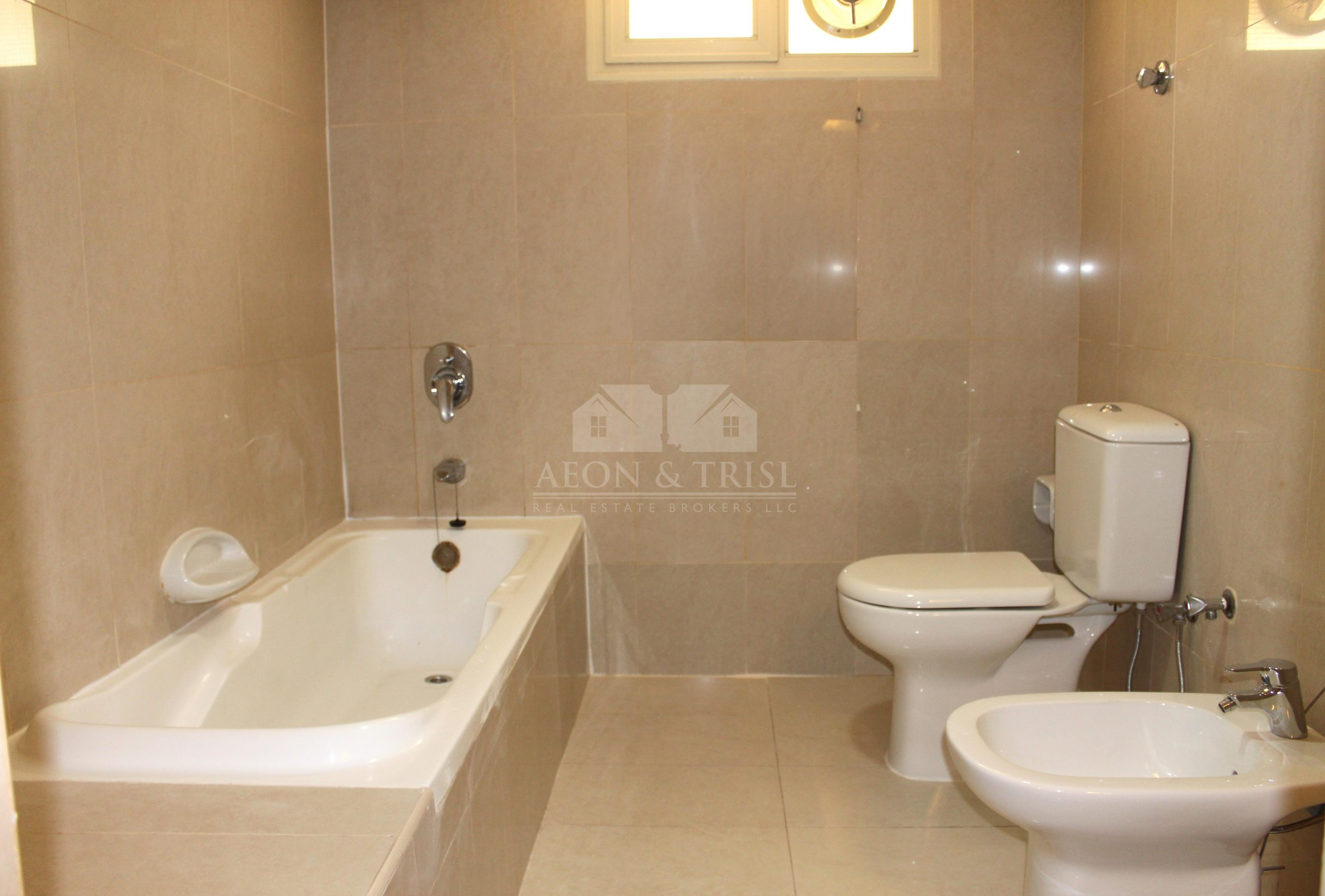 Large 4 Bed with Maids Room Villa | Jumeirah 3
